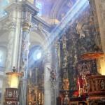 Sevilla 2014. Besamanos Cristo del Amor, en el Salvador (1)