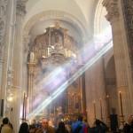 Sevilla 2014. Besamanos Cristo del Amor, en el Salvador (4)