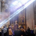 Sevilla 2014. Besamanos Cristo del Amor, en el Salvador (5)